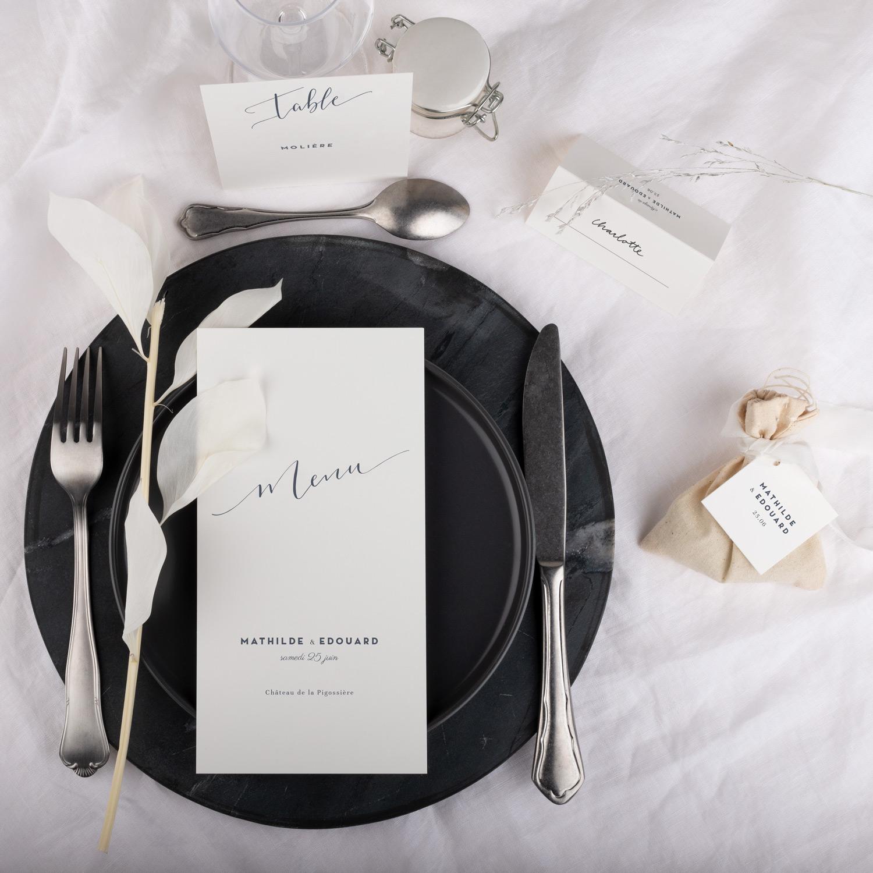 TABLE-1500×1500-FR
